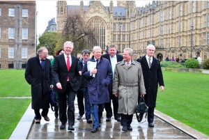 'Positive': The delegation of East Yorkshire politicians who met with the Transport Secretary