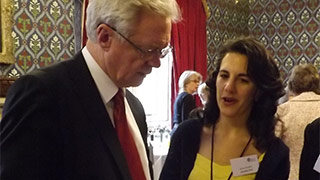David Davis MP gives support to stay at home mums